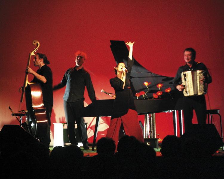 Amélie-les-crayons sur scène